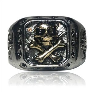 Unisex Gothic Skull and Crossbones Ring